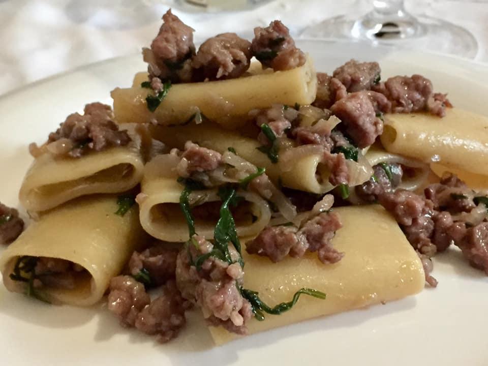 Ricetta Ragu Di Salsiccia.Paccheri Al Ragu Bianco Di Salsiccia Luciano Pignataro Wine Blog