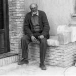 Il professore Antonio Troisi nel 1994 fotografato da Lino Sorrentino durante la mia prima visita alla sua azienda per un articolo sul Mattino.