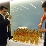 Angelo e Rino prpearano le bottiglie