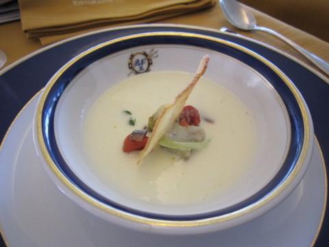 la zuppa di tecnica thai e sostanza mediterranea