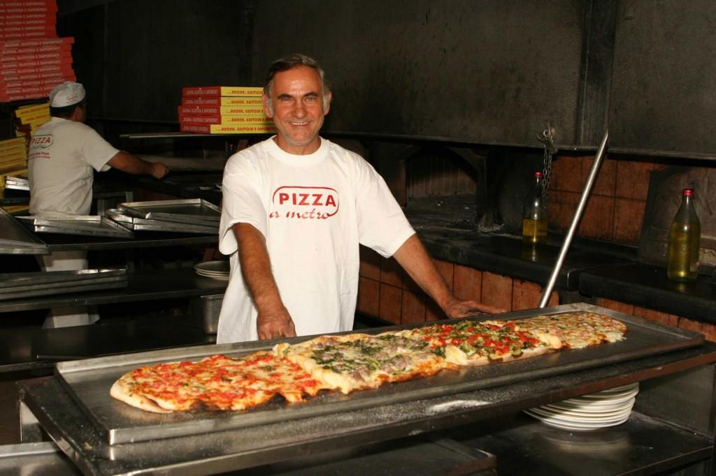 Mario Della Mura, Gigino Pizza a Metro