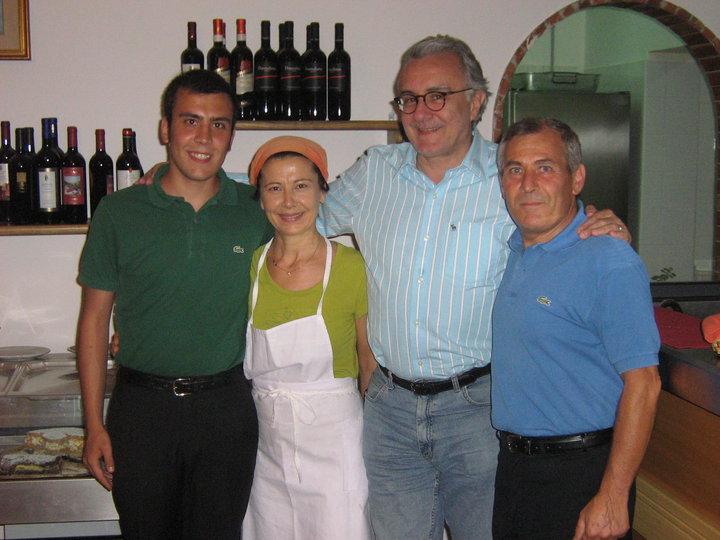 Alan Ducasse con la famiglia di Lorenzo Apicella