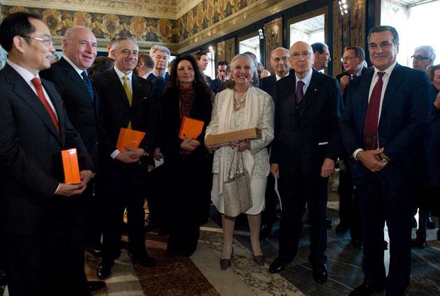 Cosimo Rummo (ultimo a dx) con il presidente della Repubblica, in occasione della consegna del Premio Leonardo Qualità Italia 2010, dedicato all'eccellenza del made in Italy