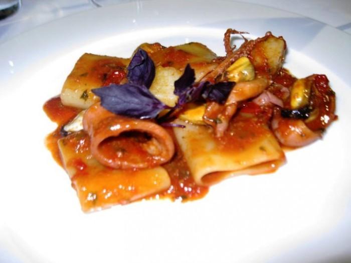 Mezzo pacchero con totani e patate