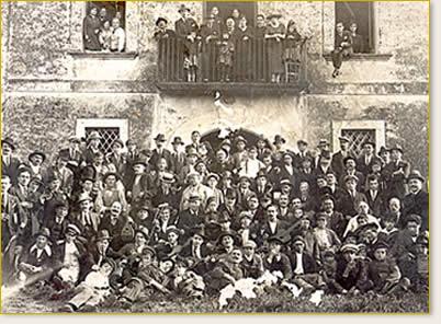 Foto d'epoca con gli operai del pastificio Rummo