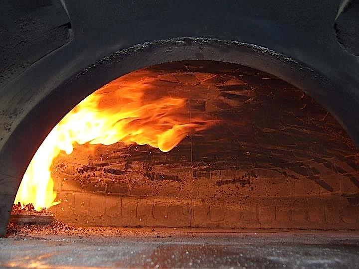 La pizza forno elettrico o forno a legna luciano pignataro wine food blog - Forno per la pizza ...