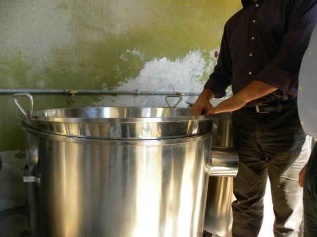 I recipienti di acciaio per la bollitura del mosto