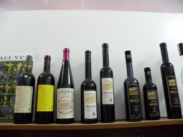 Moscato Viola - La veste grafica nel corso degli anni