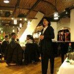 Marina Alaimo nella bella sala del ristorante La Cantinella, Napoli per il concorso Bufala e Wine Wedding