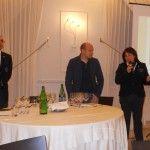 Da sinistra: Garbiele Di Blasio, delegato AIS Campobasso, il titolare dell'azienda Terresacre e Maria Sarnataro, delegata AIS Cilento e Vallo di Diano