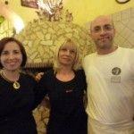Angelina e Attilio, la mamma Maria Francesca al centro - foto di Monica Piscitelli