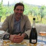 Maurizio Russo con il suo Capafresca spumante - foto Marina Alaimo