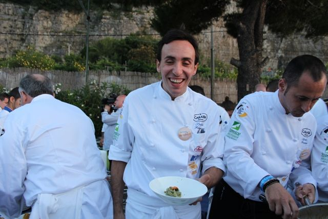 Francesco Sposito Taverna Estia - Brusciano (Napoli) Linguine alle alghe marine con aglio, olio e peperoncino