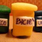 Pattumiere di zucchero per sensibilizzare alla raccolta differenziata