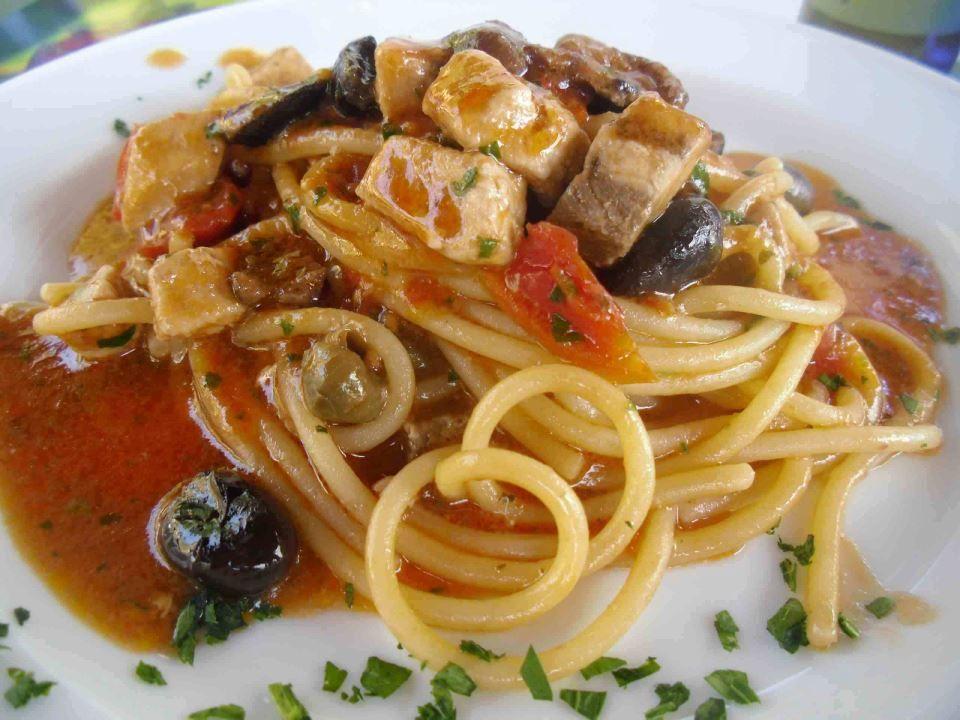 Ricetta Cult Spaghettone Con Pesce Spada Pomodorini Olive E