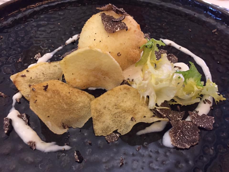 La Bettola del Gusto, l'uovo croccante su crema di parmigiano, patate e tartufo