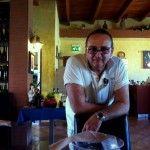 Guglielmo Vuolo nella sua pizzeria