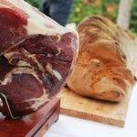 Prosciutto di Parma e pane di Matera