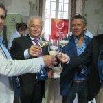 Brindisi con Michele Romano per l'inaugurazione della quinta edizione di Vesuvinum