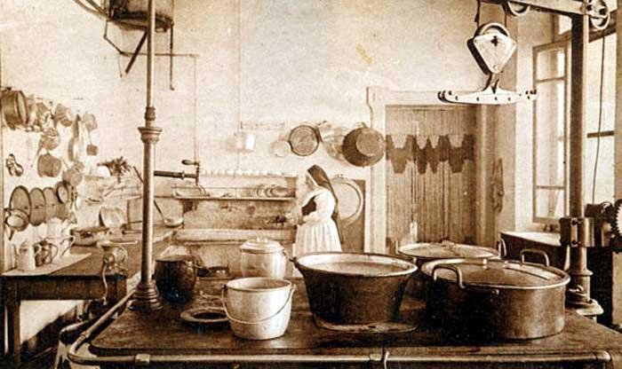 La storia degli struffoli ed i possibili abbinamenti con il vino ...