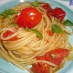 Spaghetti con pomodorini del piennolo
