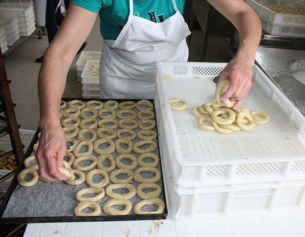 Taralli - La preparazione per il forno