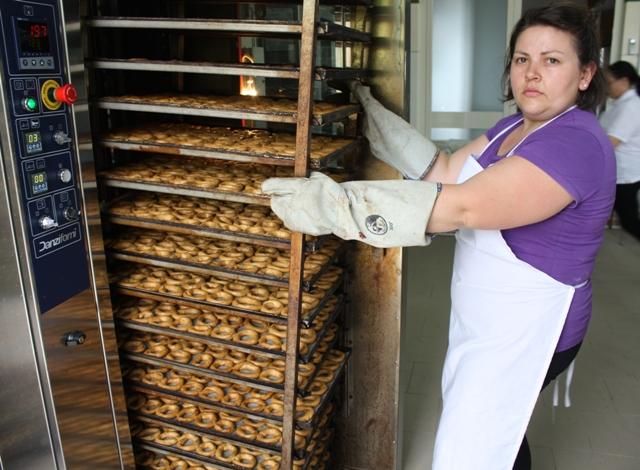 """L'uscita dal forno: i taralli sono diventati """"biscotti"""""""