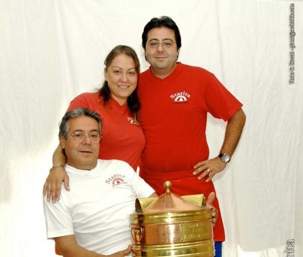 Antonio Starita con i figli Giuseppe e Mena