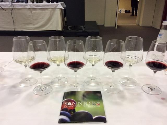 Gli otto vini in degustazione