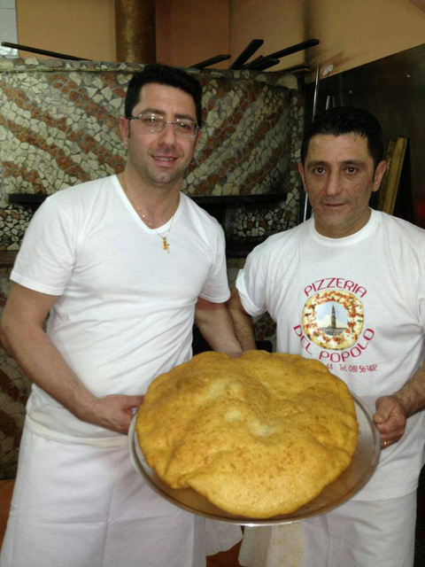 Pizzeria del Popolo Gianni Breglia Con Franco Pierno e la pizza fritta