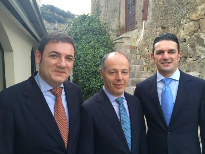 Torre del Saracino, la sala: da sinistra Enzo, Ciro e Giacinto