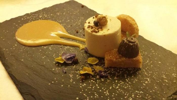 Acqua Gourmet, 'bisquit' di nocciola tonda di Giffoni con il suo cremoso e mousse di caffè bianco