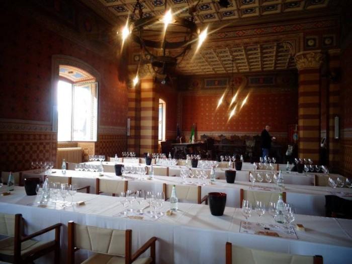 Anteprima Sagrantino 2011, la sala consiliare allestita per degustazione alla cieca