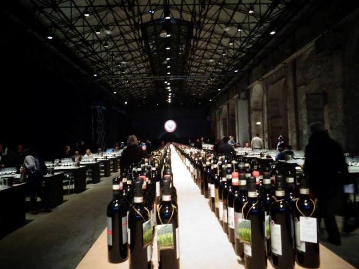 Anteprime Toscane, la sala di assaggio per la stampa alla Leopolda di Firenze