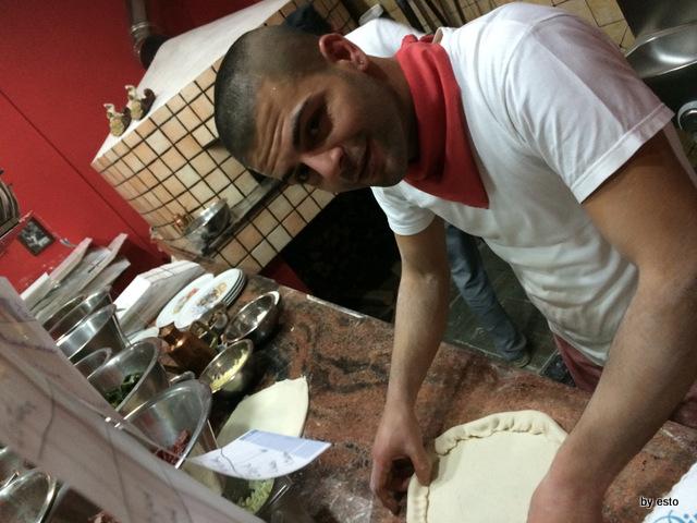 Pizzeria Pulcinella, Ciro Casale il cornicione ripieno per la pizza Corona