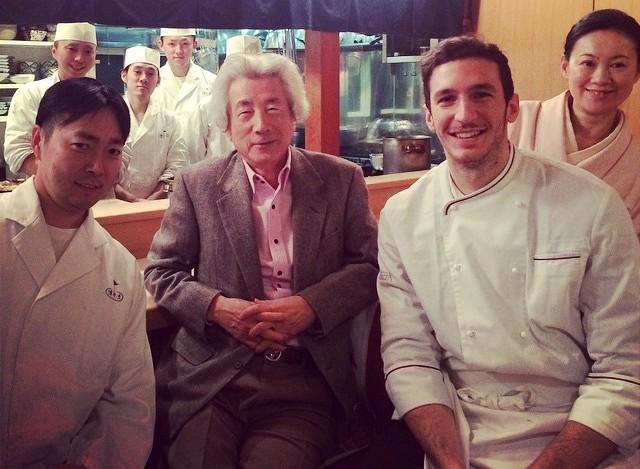 Salvatore Giugliano con l'ex premier giapponese Koizumi