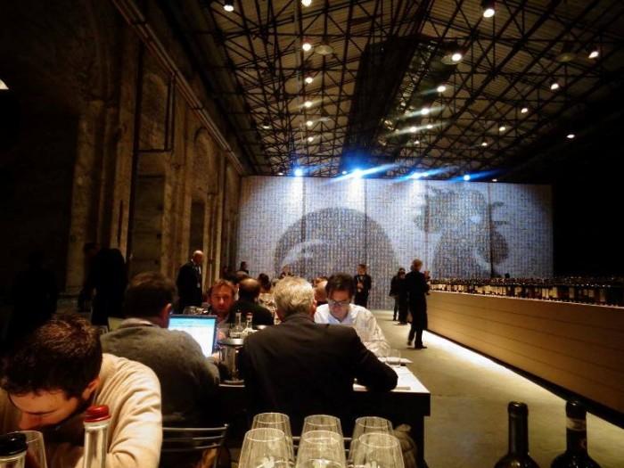 Anteprime Toscane, la sala di assaggio alla Leopolda di Firenze