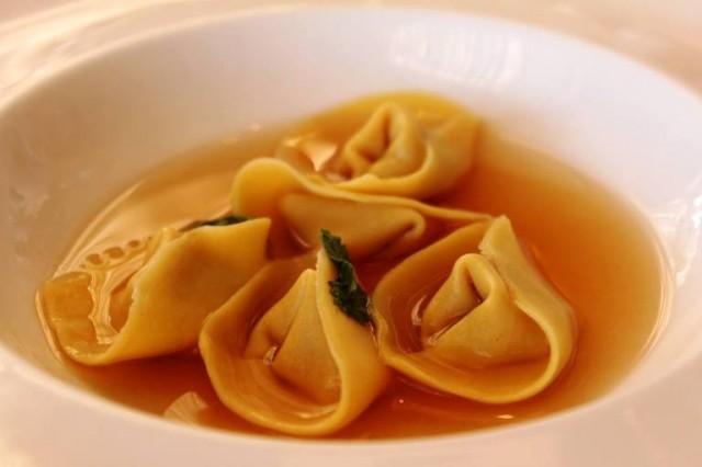 Le Colline Ciociare, ravioli di aglio in consommè di mela