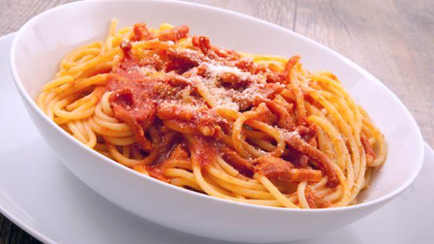 Spaghetti all'amatriciana (photo credit © Giuseppe Porzani - Fotolia.com)
