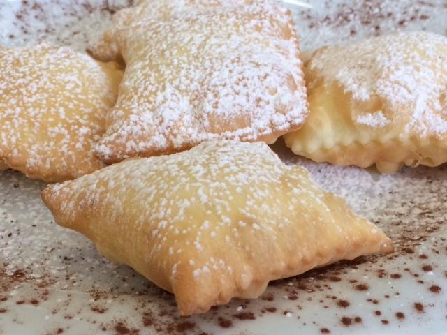 La Pastaia Verace, panzarotti ricotta e cannella