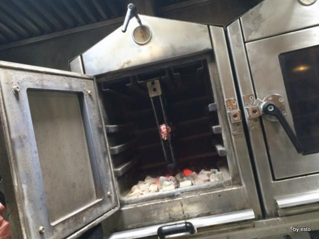 Agribraceria Fattoria Carpineto  il barbecue con le griglie verticali