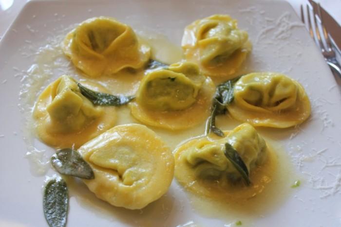 Dongione, ravioli