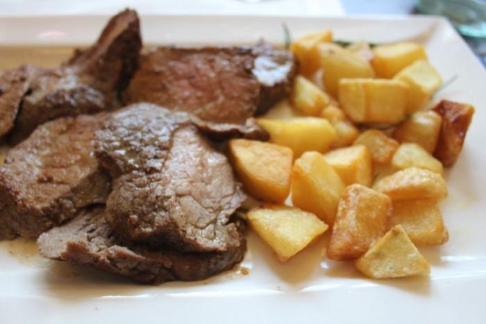 Dongione, tagliata con patate