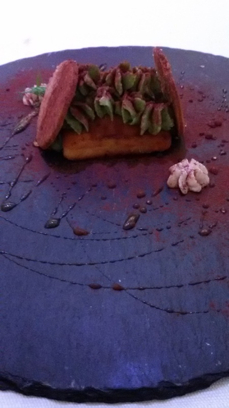 Evù, ricotta e pistacchi