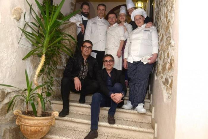 foto ricordo finale: Giuseppe Misuriello, Domenico Manfredi con il figlio Antonio, Carmine Santangelo e Vito Paternoster