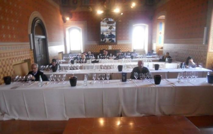 Inizio degustazione tecnica nella Sala Consiliare del Comune di Montefalco
