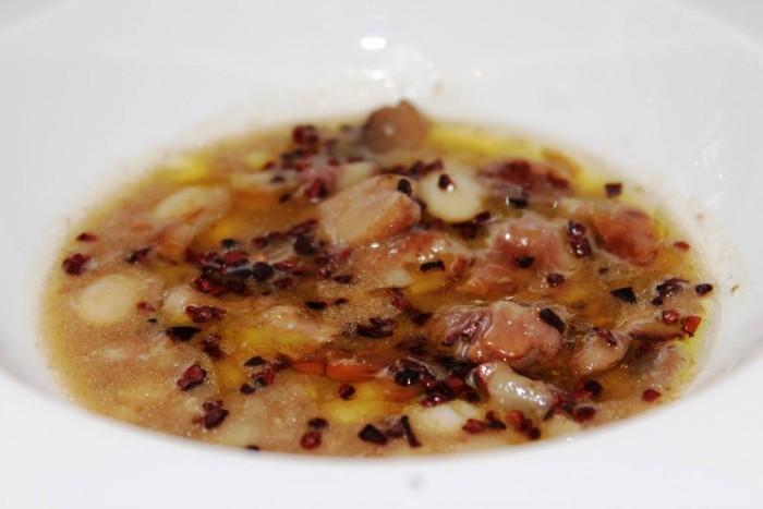 Oasis  Antichi Sapori, zuppa di funghi, castagne, fagioli e fave di cacao