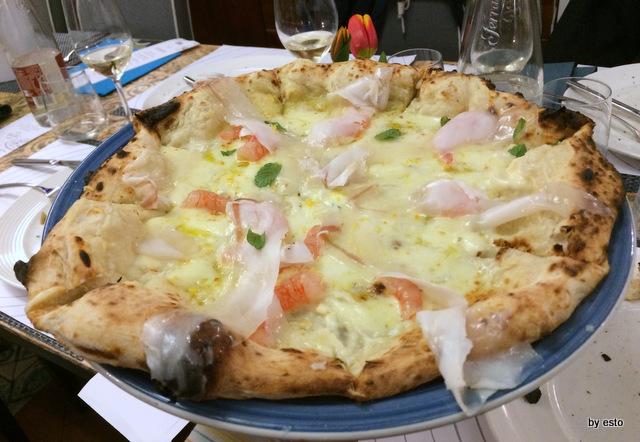 Pizza e Falanghina del Sannio pizza cavolfiore e gamberi