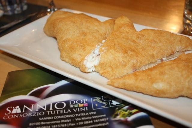 Sorbillo: Pizza fritta