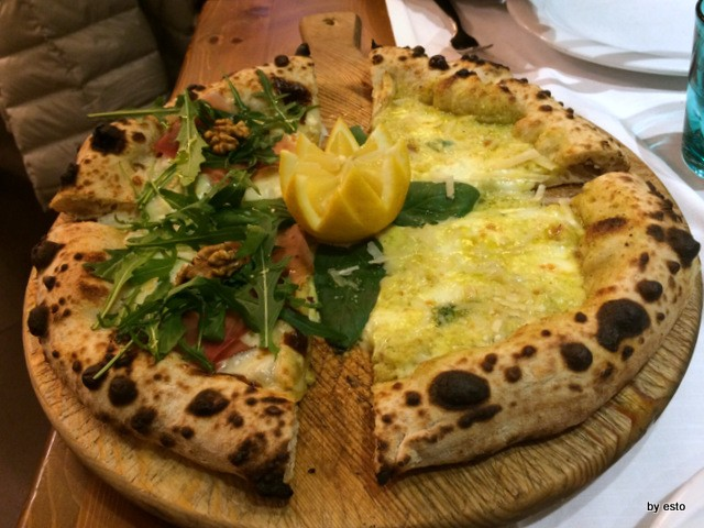 Salvatore Impero, pizza con limone di Sorrento e l'altra con speck e noci